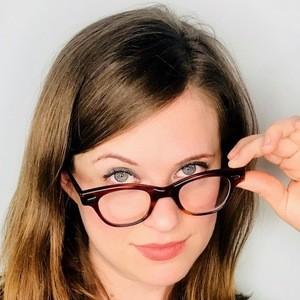 Allie Goertz 1 of 6