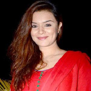 Aashka Goradia Headshot