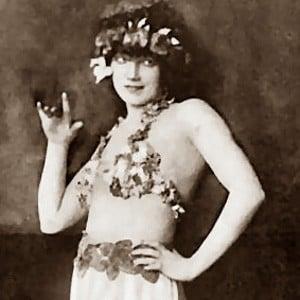 Gilda Gray Headshot