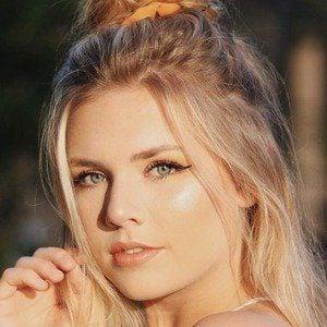 Sarah Graysun 1 of 6