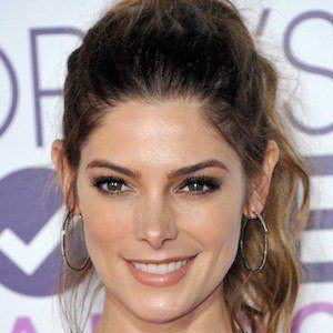 Ashley Greene 1 of 10