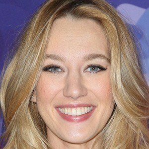 Yael Grobglas 1 of 5
