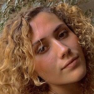 Renata Guerra 1 of 5