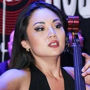 Tina Guo Headshot