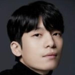 Wi Ha-joon Headshot