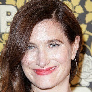 Kathryn Hahn 1 of 7