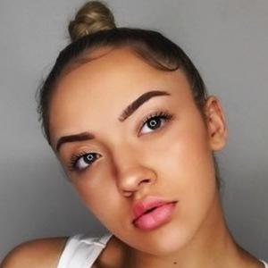 Lauren Halil 1 of 6