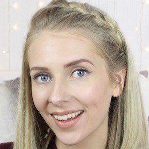 Fabulous Hannah 1 of 2