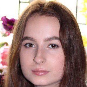 Madeleine Harris 1 of 4