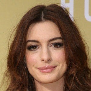 Anne Hathaway 1 of 10