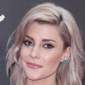 Grace Helbig 1 of 6