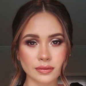 Danna Hernández 1 of 5