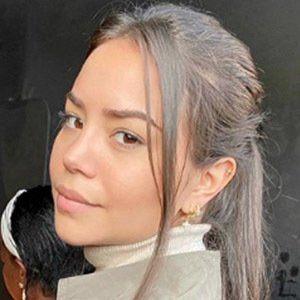 Sharon Hidalgo 1 of 5