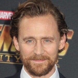 Tom Hiddleston 1 of 10