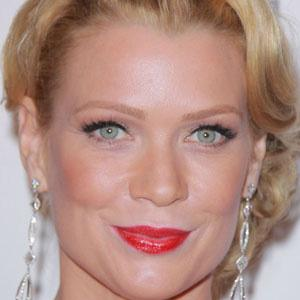 Laurie Holden 1 of 10