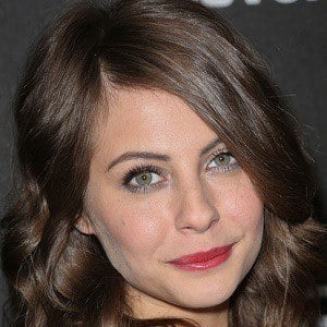 Willa Holland 1 of 8