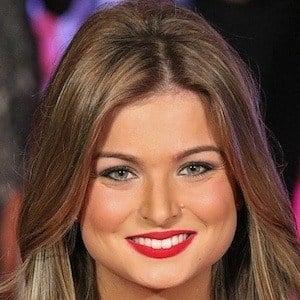 Zara Holland 1 of 7