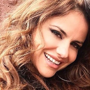Mónica Hoyos 1 of 5