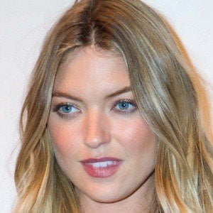 Martha Hunt 1 of 9