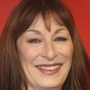 Anjelica Huston 1 of 10