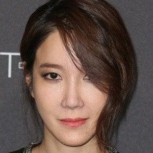 Han Hyo-joo Headshot