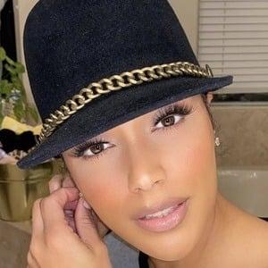 Shantel Jackson 1 of 6