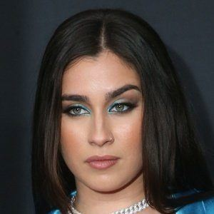 Lauren Jauregui 1 of 10