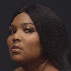 Lizzo 1 of 4