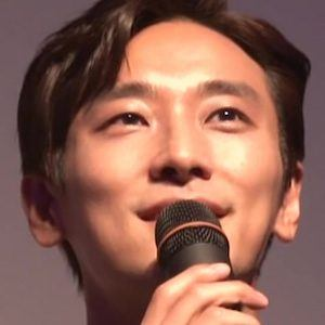 Ju Ji-hoon Headshot