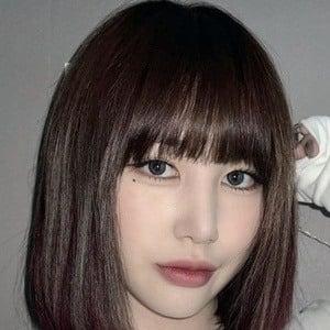 Park Ji-min 1 of 10