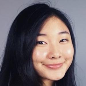 Vicky Jin 1 of 4