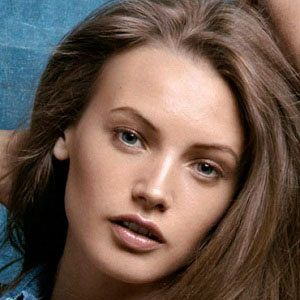 Mona Johannesson Headshot