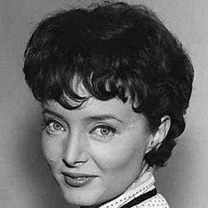 Carolyn Jones 1 of 7