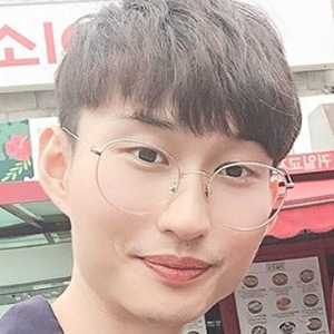 Han Jongdae 1 of 5