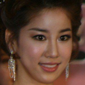 Kim Joo-ri 1 of 2