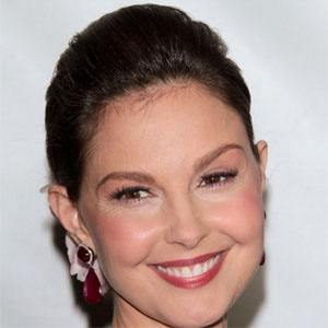 Ashley Judd 1 of 9