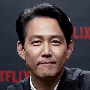 Lee Jung-jae Headshot