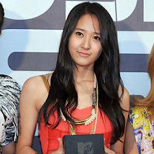 Krystal Jung - Bio, Facts, Family | Famous Birthdays