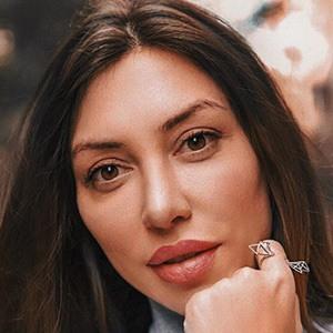 Amina Kadyrova 1 of 6