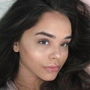 Iris Kalani 1 of 10