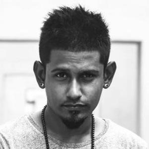Dinesh Kanagaratnam Headshot