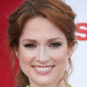 Ellie Kemper Bio Facts Family Famous Birthdays