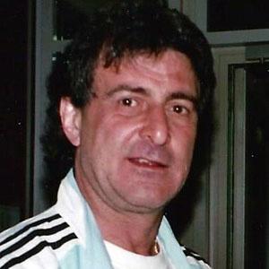 Mario Kempes Headshot