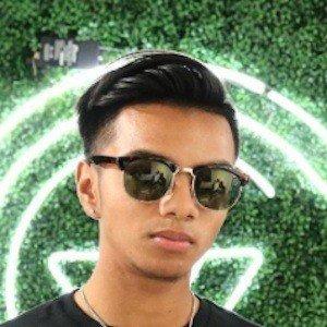 Harris Khan 1 of 5