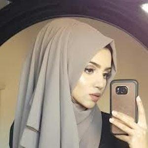 Saima Khan Headshot