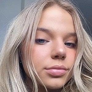 Bella Klassen 1 of 6