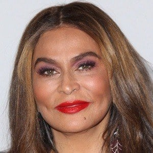 Tina Knowles 1 of 10