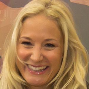Janine Kunze Headshot