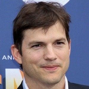 Ashton Kutcher 1 of 10