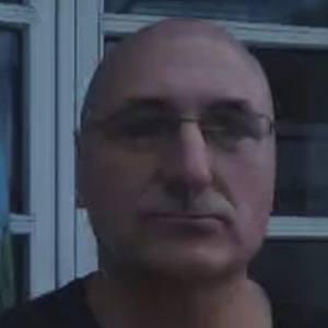 Slavko Labovic Headshot